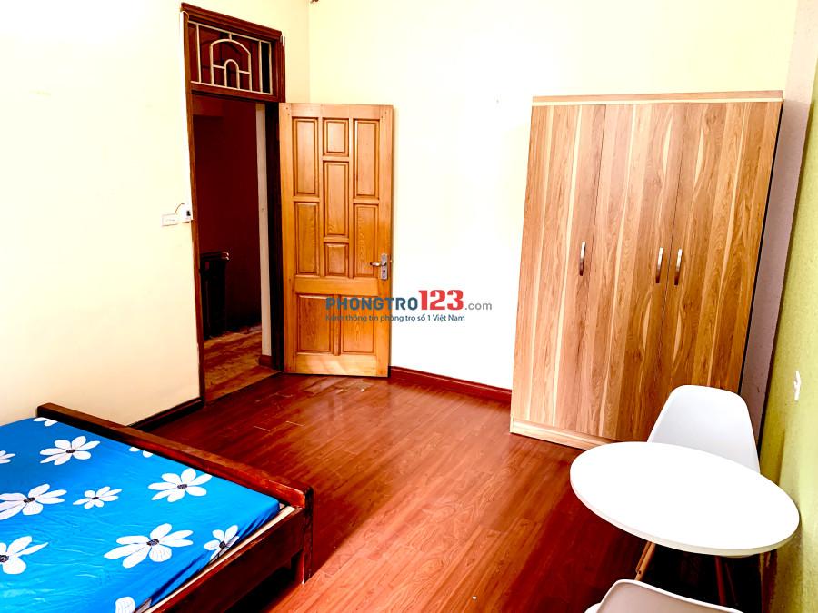 Ngõ 23 Nguyễn Khuyến-Phòng trong nhà Biệt Thự cạnh Hồ Văn Quán