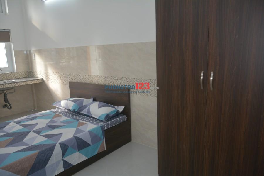 Căn hộ dịch vụ cao cấp mới xây, có ban công ở Nguyễn Xí, 5.5tr/ tháng