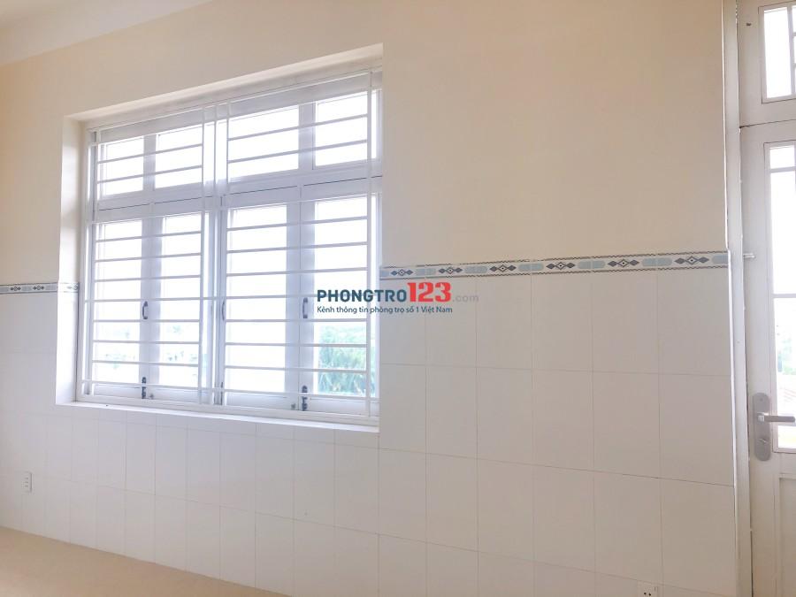 Cho thuê nhà nguyên căn 3 lầu DT 500m2, mặt tiền Lê Văn Lương, Nhà Bé. LH Mr Dân