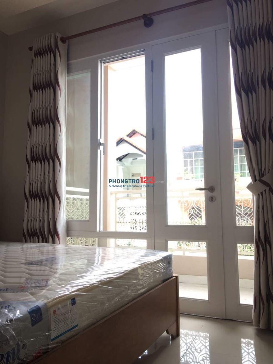 Phòng 2 Phòng Ngủ Full NT, Có Cửa Sổ Và Ban Công Ngay Cạnh Giường, Đường Sầm Sơn, Tân Bình, Sát Bên Sân Bay TSN