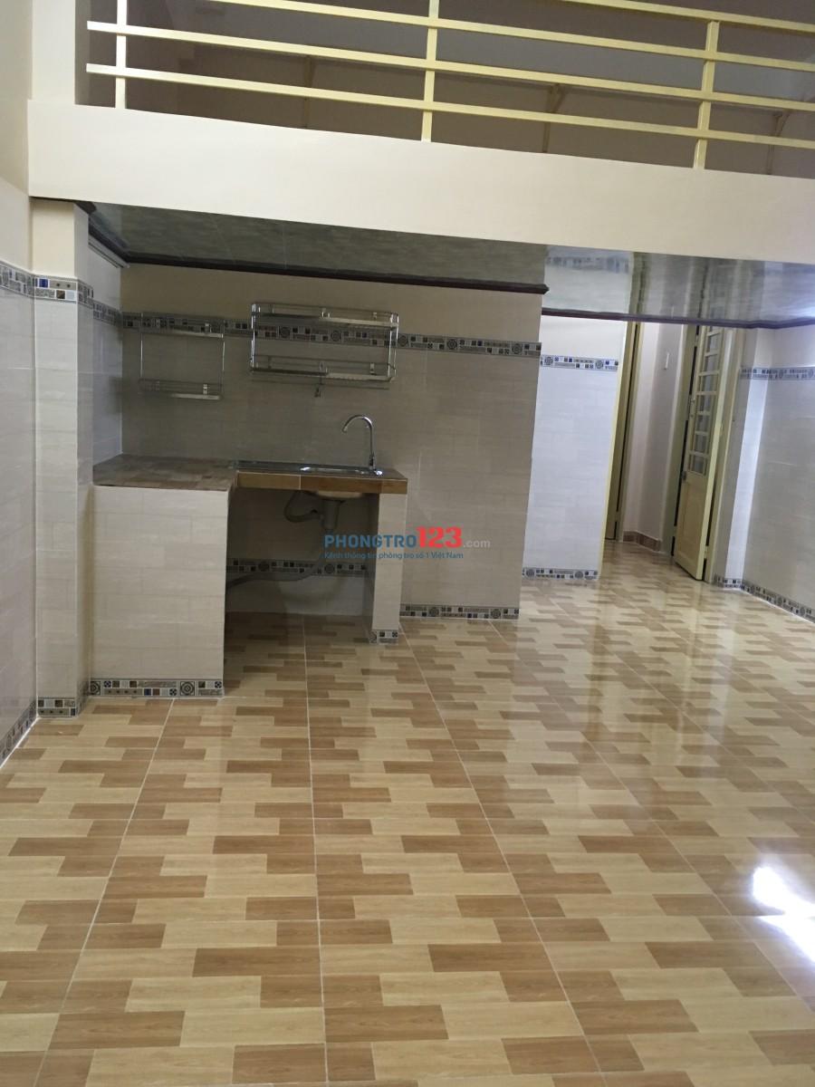 Phòng 40m ngay ĐH Mở mới xây đầy đủ bếp toilet riêng