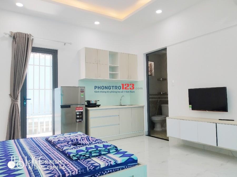 Stuidio mới xây, nội thất tiện nghi, ban công gần Lotte Q7, ĐH TDT, UFM, R'Mit University
