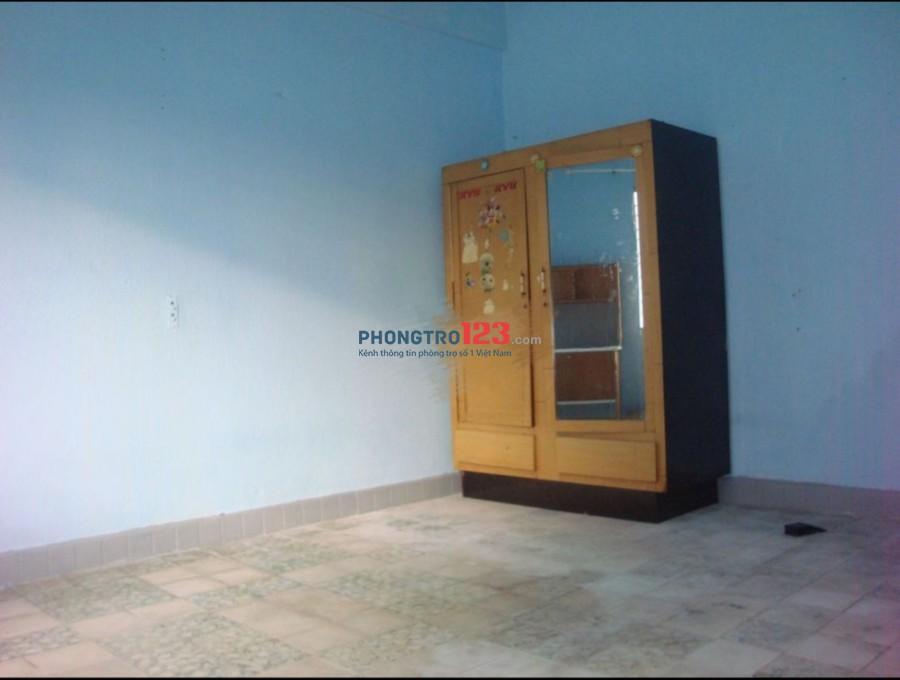 Chính chủ cho thuê căn hộ mặt tiền Đường Cao Thắng, Q.3, giá 4,5tr/tháng. LH Mr Thành