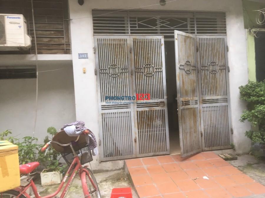 Cho thuê nhà làm văn phòng, cửa hàng, nhà ở đường Giải Phóng, Giáp Bát, Hà Nội