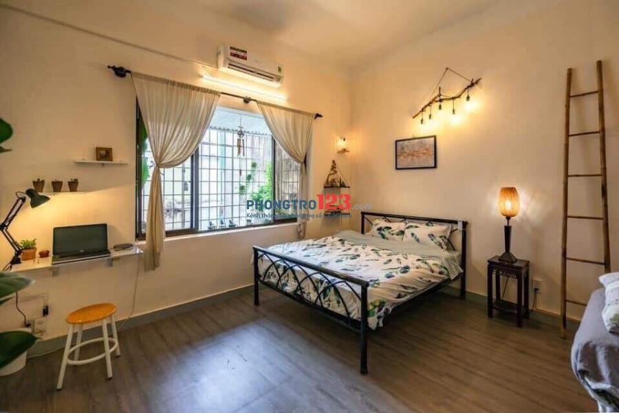 Chính chủ cho thuê căn hộ Studio full nội thất ngay Trần Hưng Đạo, Q.1. Giá 7,5tr/tháng Ms Trân