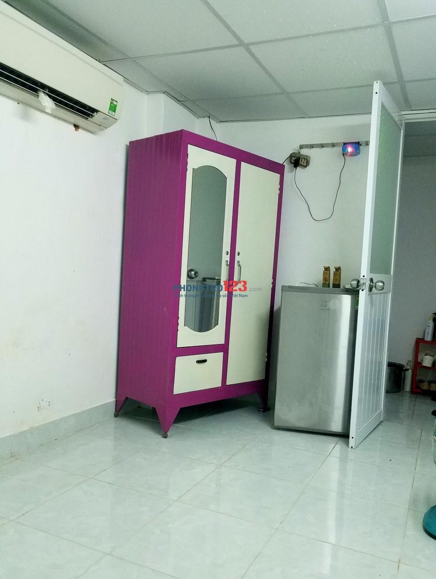 Thuê phòng máy lạnh sát quận 10 cho nữ thuê