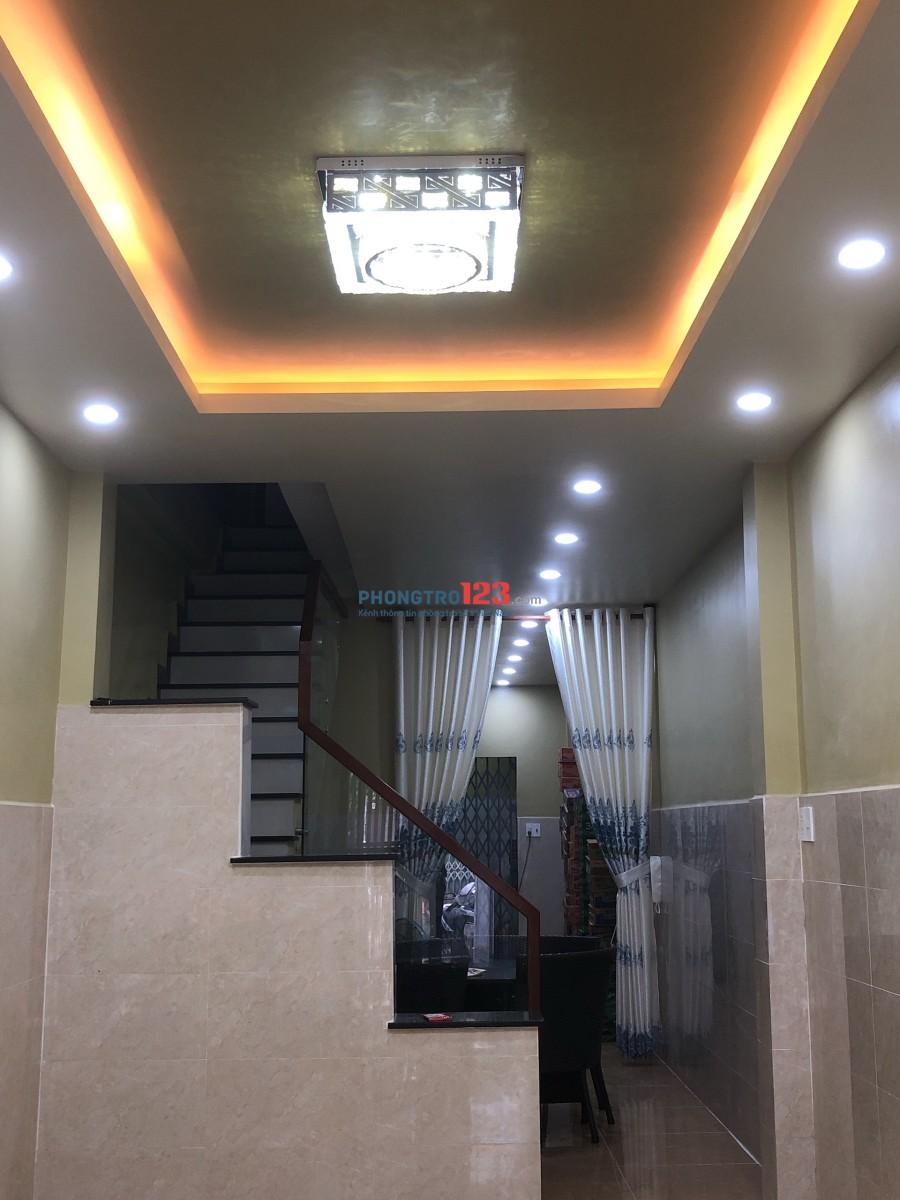 Cho thuê nhà mặt tiền 77 Hồ Thành Biên, P.4, Q.8 gần chợ Phạm Thế Hiển Ms Phượng
