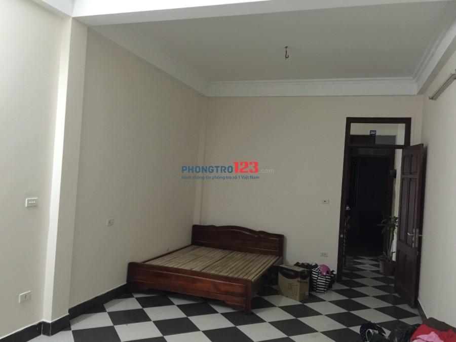 Cho thuê phòng trọ khép kín tại phố Duy Tân, quận Cầu Giấy