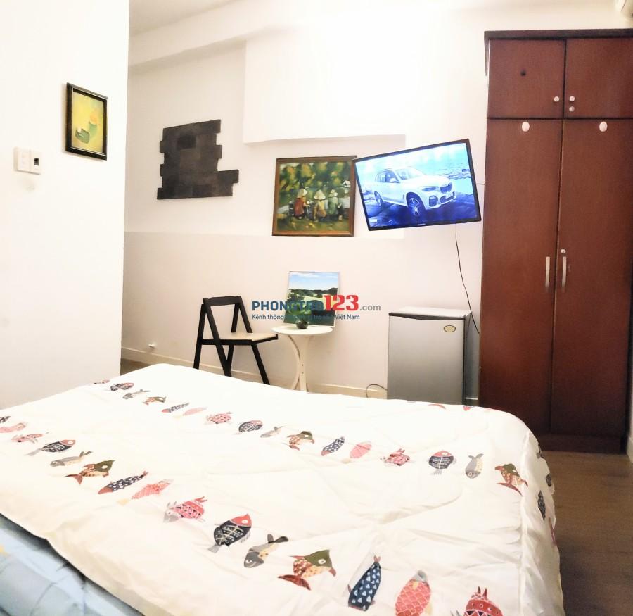 Căn hộ bancol FULL nội thất ngay mặt tiền Trương Định, Quận 3