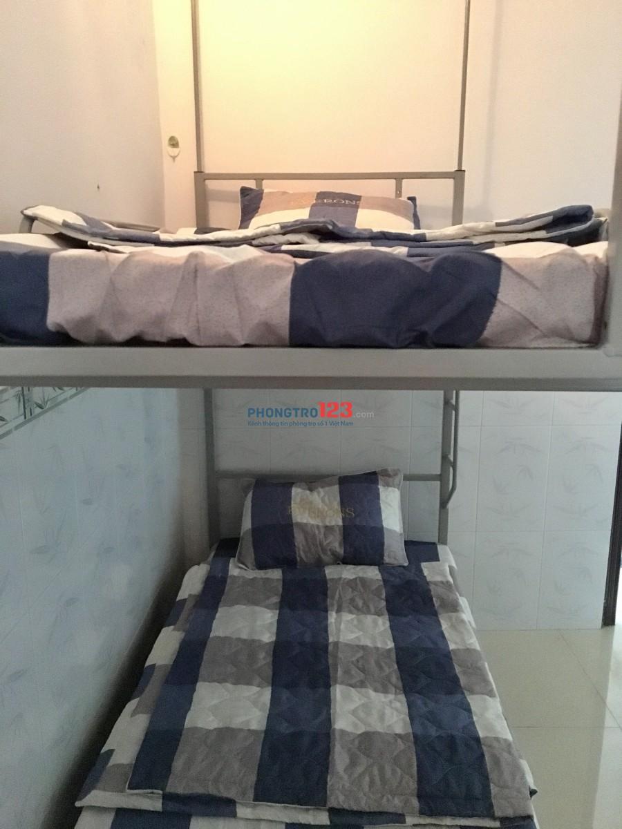 Cho thuê phòng KTX cao cấp full nội thất Đề Thám, Quận 1 - giá từ 2.3 triệu/tháng/người