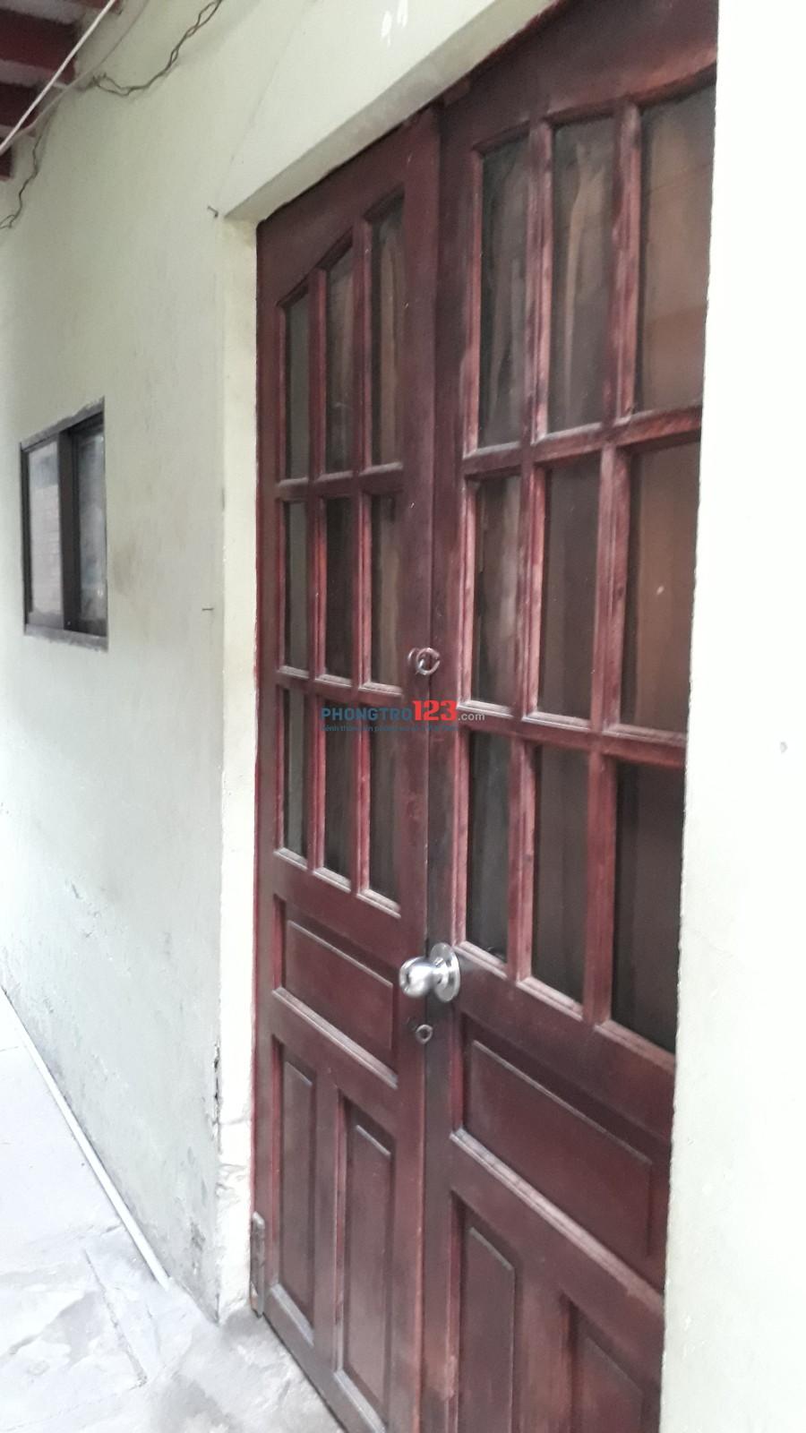 Nhà cho thuê nguyên căn 1 trệt, 1 lầu Quận 1 35m2, giá 4tr/tháng