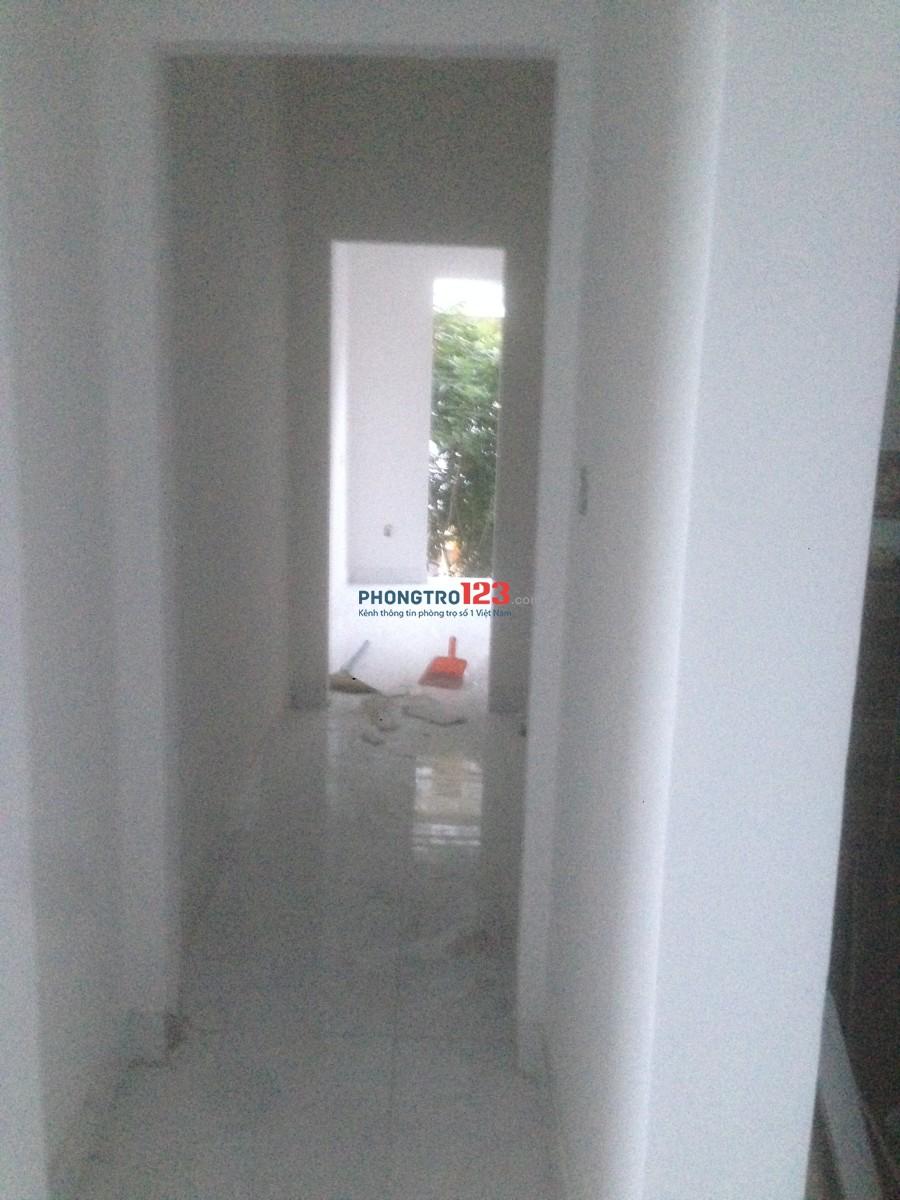 Nhà mới xây cần cho thuê 1 trệt, 3 lầu, 6 phòng, 6 tolel