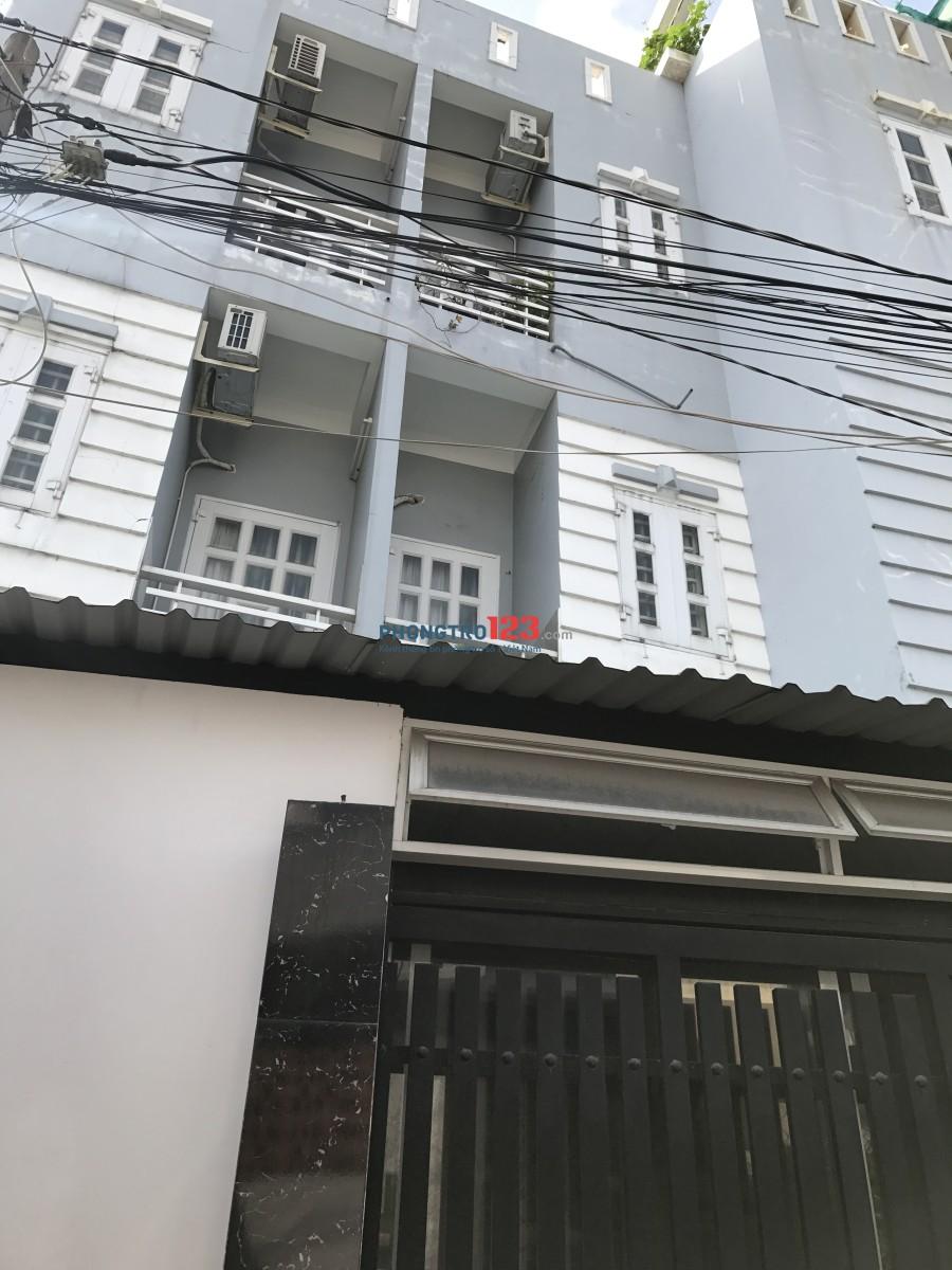 Nhà 1 trệt, 2 lầu, 4 phòng, cách mt Nguyễn Thị Định 50m