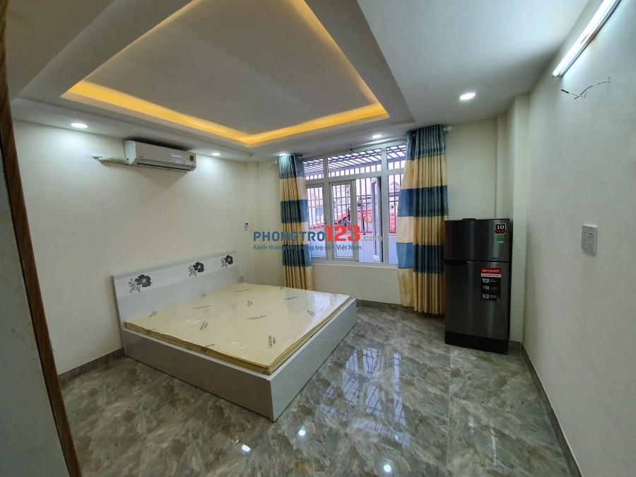 Cho thuê căn hộ full nội thất, đường Thích Quảng Đức, Phú Nhuận
