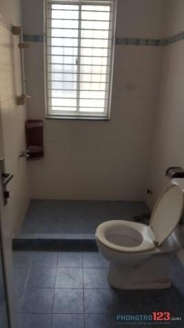 Phòng sạch sẽ mát mẻ gần công viên Hoàng Văn Thụ