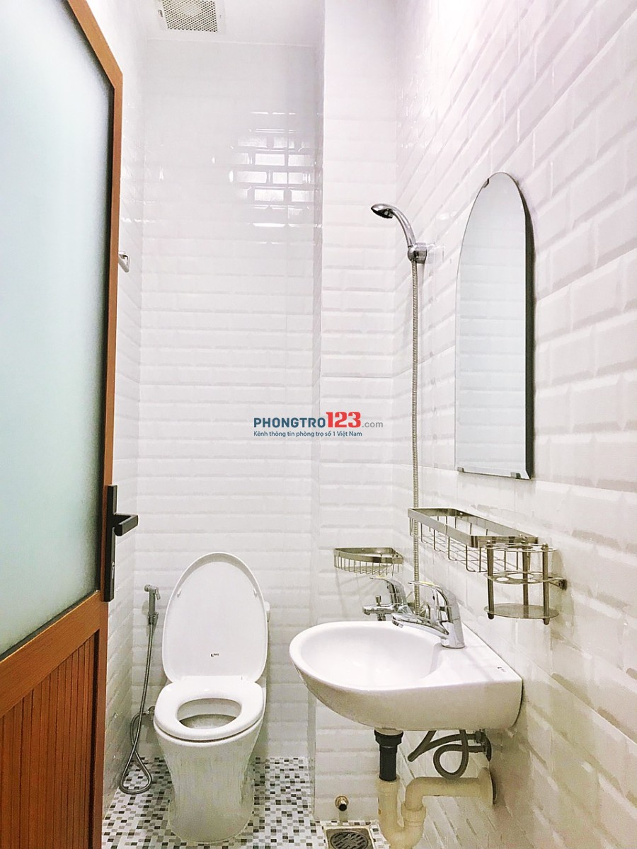 Căn hộ mini mới khai trương, có cửa sổ/bancon ngay trung tâm Q.10, khu dân cư sầm uất nhất TP. Giá chỉ từ 6tr8