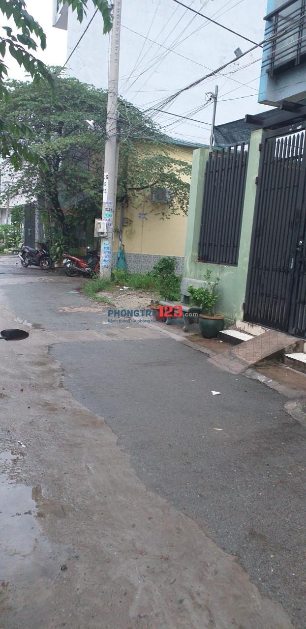 Cho thuê phòng trọ, có gác lửng, WC riêng, hẻm rộng, cách đường Vườn Lài 50m