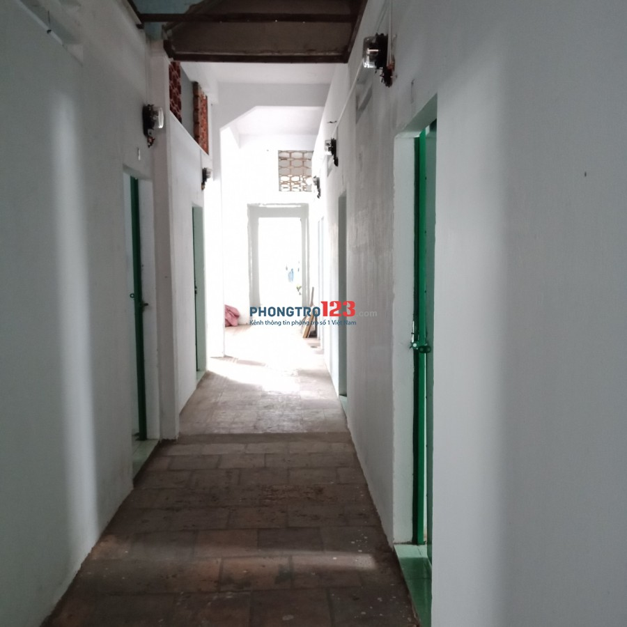 Cho thuê phòng trọ giá rẻ mặt tiền 949 Hậu Giang, P.11, Q.6. Giá từ 2,2tr/tháng Mr Hải