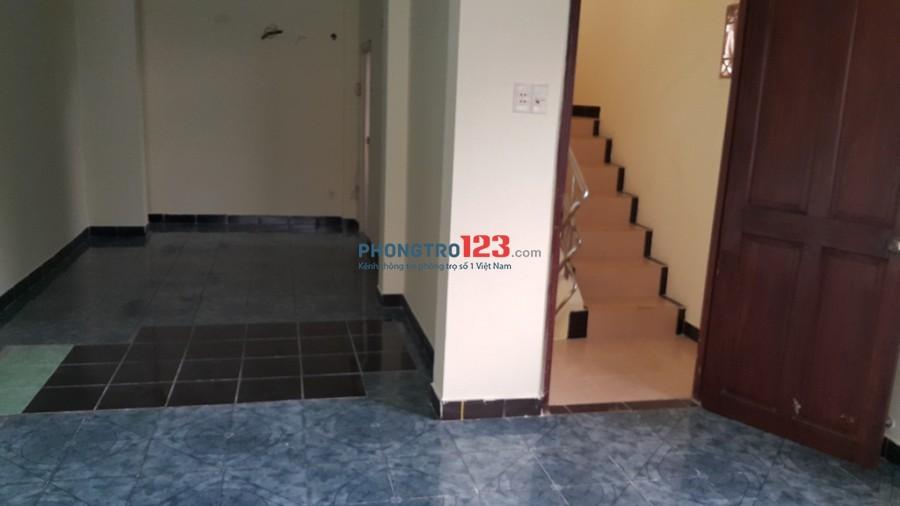 Phòng 35m2, mới sạch sẽ, thoáng đáng tại hẻm 275/6 Nguyễn Đình Chiểu, P.5, Q.3. Giá 4 triệu