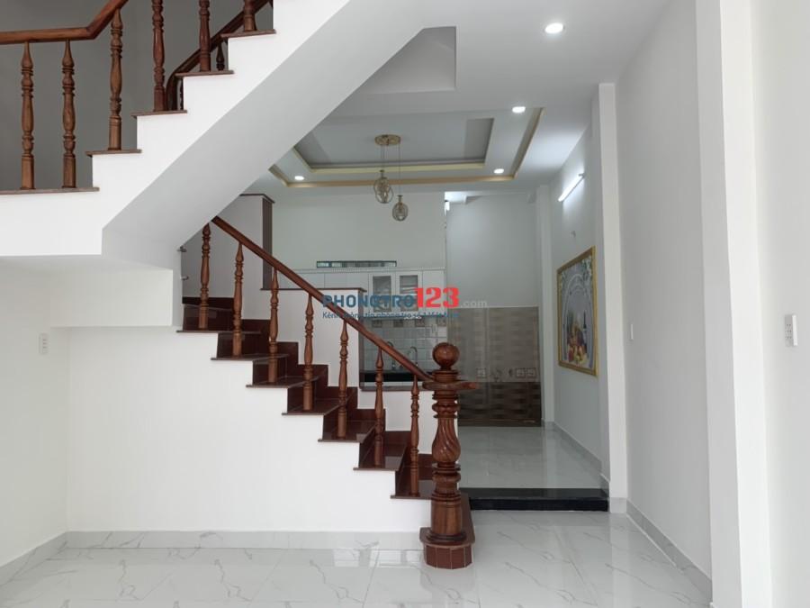 Cho thuê nhà xây mới tân cổ điển đường Tân Thới Hiệp 7, Quận 12. LH: Ms Phượng