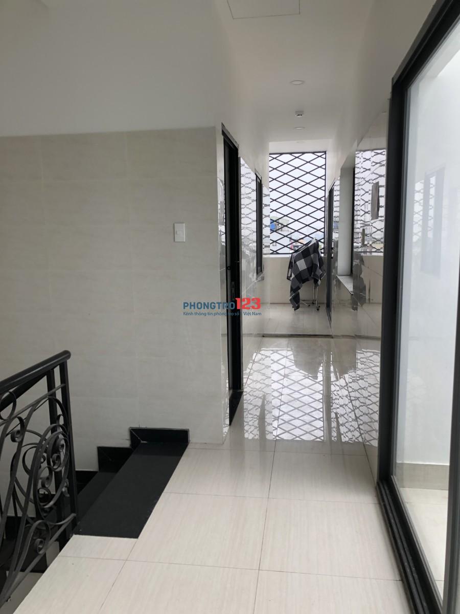 Phòng trọ mới đẹp đầy đủ nội thất, có thang máy, ban công
