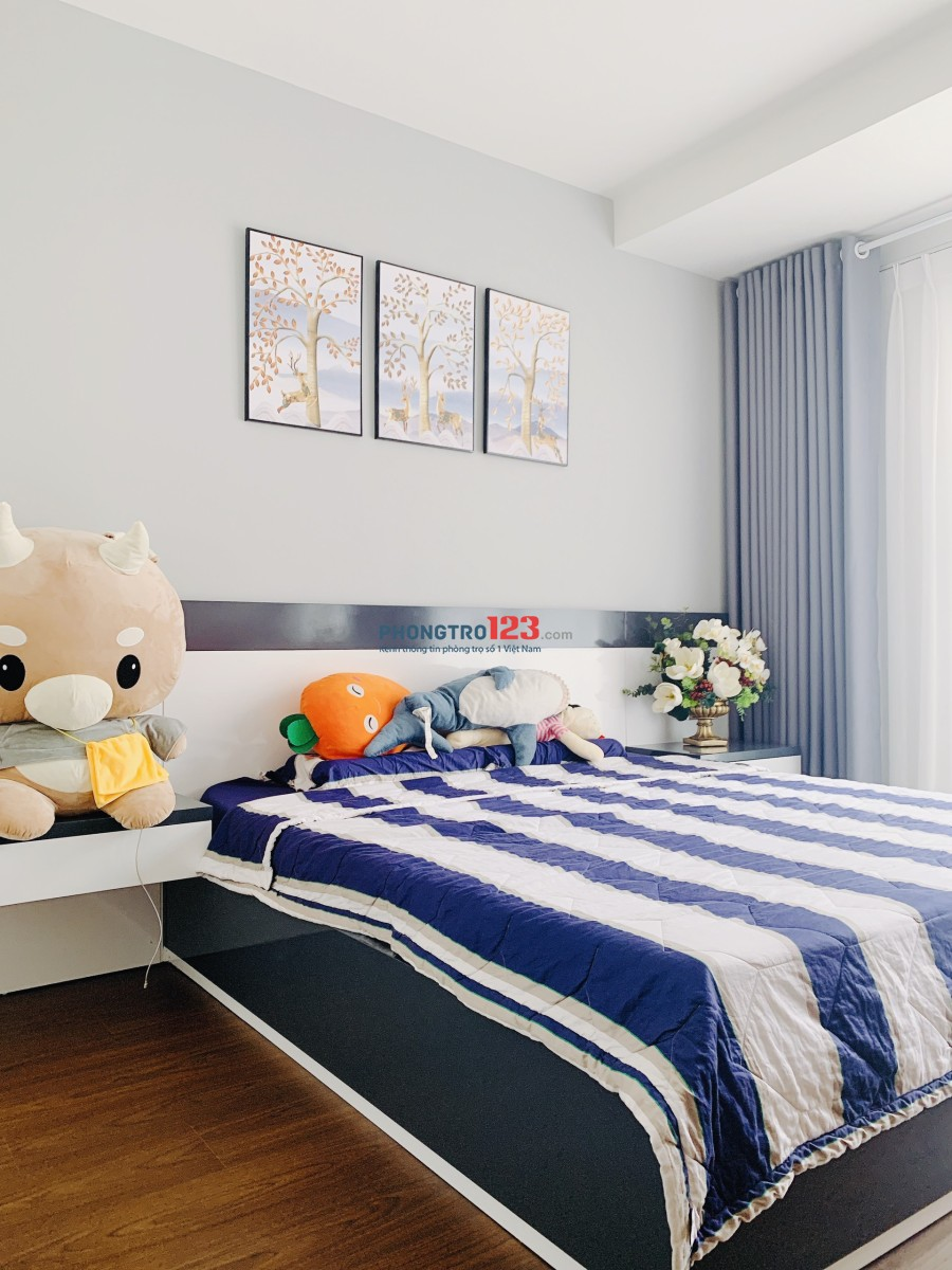 Chính chủ cho thuê CH Sai Gon Royal Full nội thất 60m2 tại Bến Vân Đồn, Q.4. Bao Phí Quản Lý