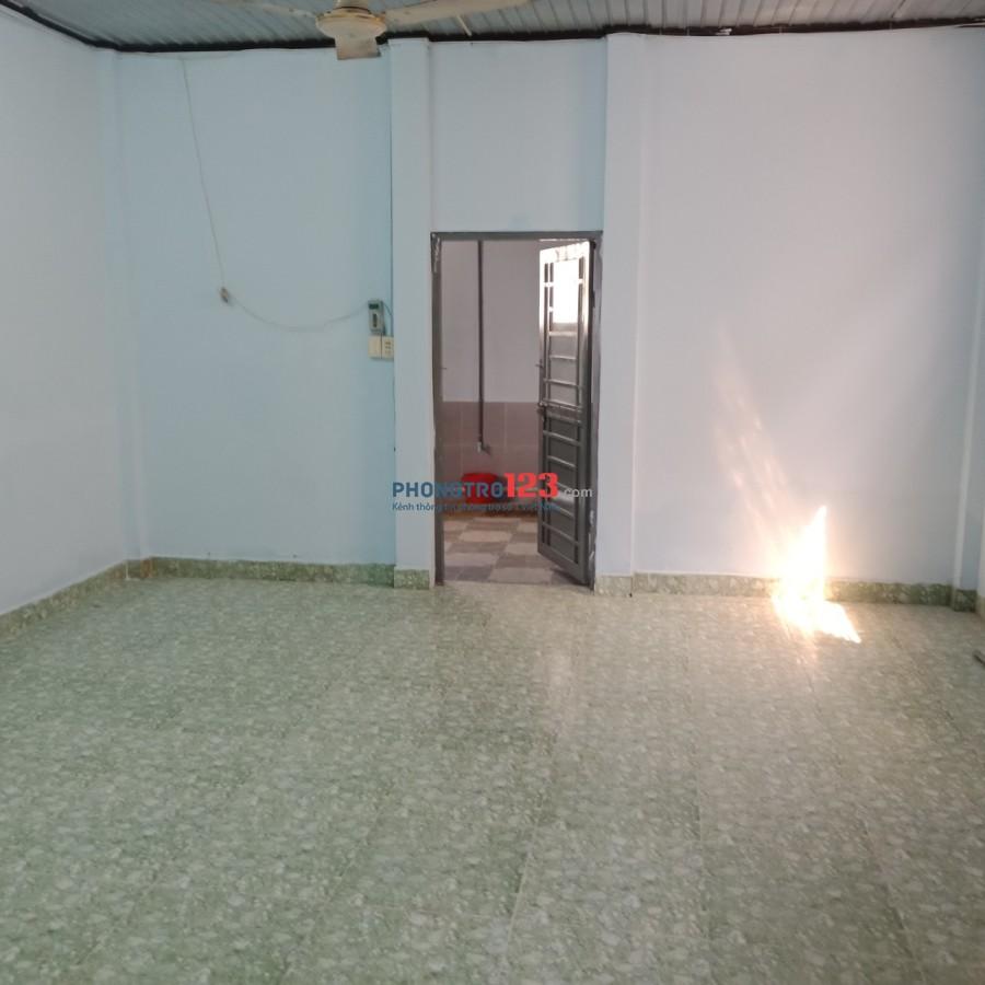 Cho thuê nhà nguyên căn mặt tiền 6pn 170m2 5,5x33 số 25 Đường số 7, Tam Phú, Q.Thủ Đức