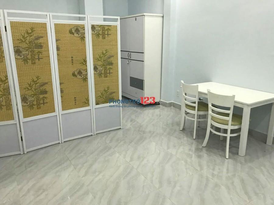 Cho thuê phòng trọ 30m2 đường Cao Thắng, Q.10. Giá 5.5 triệu