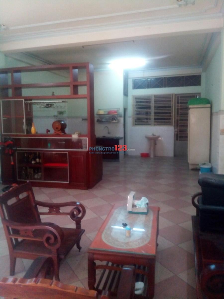 Cho thuê nhà 2 lầu 5x37 mặt tiền Đường Lạc Long Quân, Q.Tân Bình