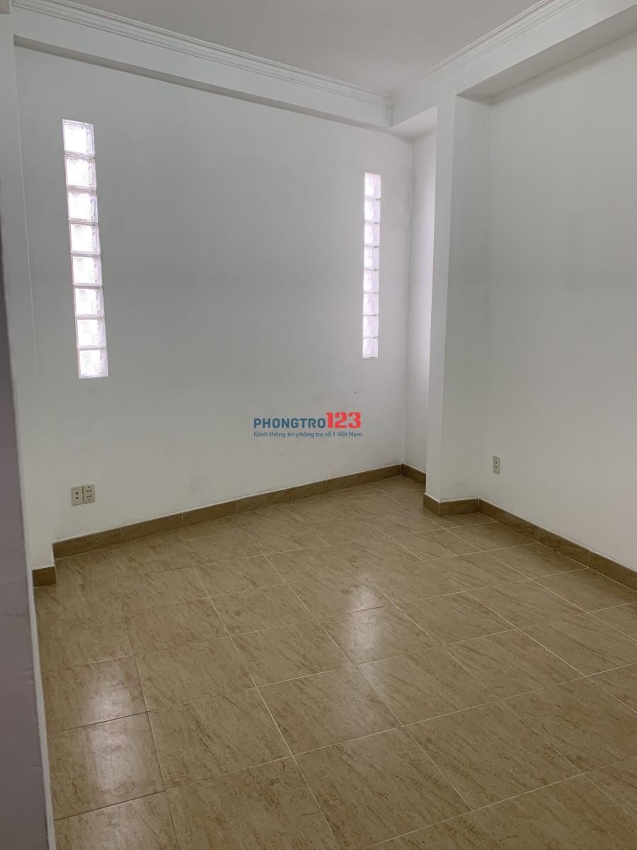 Cho thuê phòng trọ mới xây đường Thành Thái Quận 10, nhà 2 mặt tiền, đường 12m, không ở chung với chủ, giờ giấc tự do