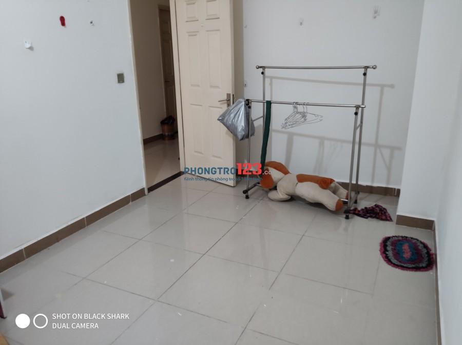 Phòng trong căn hộ chung cư Era Đức Khải, giá 2.2tr bao tất cả các phí điện nước wifi