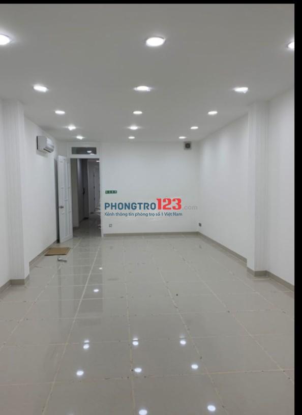 Cho thuê nhà nguyên căn 4 lầu mặt tiền 196 Nguyễn Đình Chiểu, P.6, Q.3. LH: Ms Mi