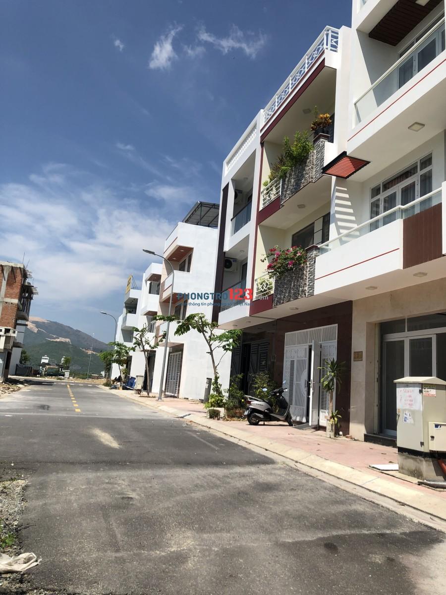 Cần cho thuê Nhà, mặt bằng kinh doanh Công ty văn phòng KĐT Hà Quang 2