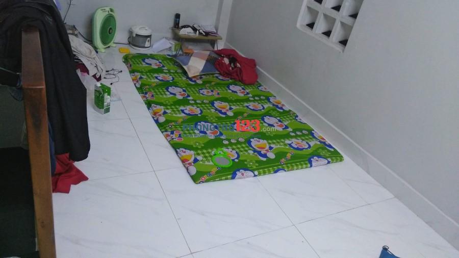 Cho Nam thuê tầng 2 nhà nguyên căn, 2wc, bếp, tủ lạnh, máy giặt