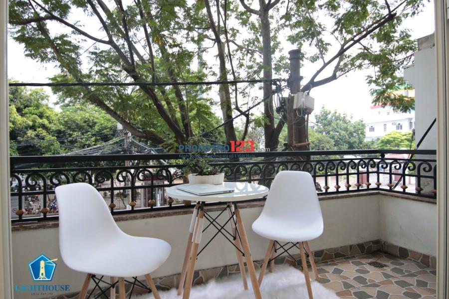 Căn hộ thoáng mát có Balcony siêu đẹp gần Công viên nước Đầm Sen