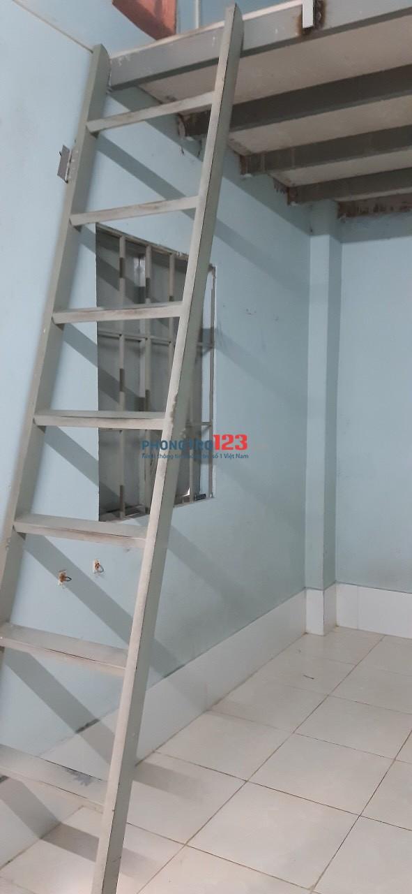 Cho thuê phòng trọ đường 176, giá 2tr7, đt: 16m2+ 8ms gác