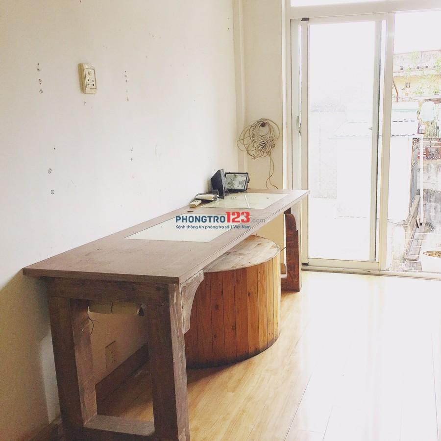 Phòng cho thuê Trung tâm Q1 chung cư mặt tiền đường lớn