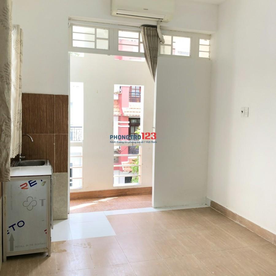 Phòng máy lạnh, cửa sổ, WC riêng, giờ TD KDC Trung Sơn,gần siêu thị Lotte, đại học RMIT,Tôn Đức Thắng,Cđ Việt Mỹ