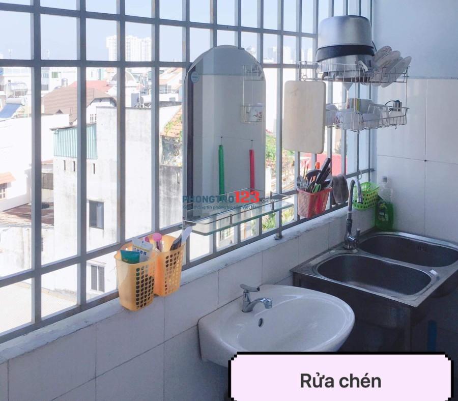 Cho Nữ thuê 1 phòng ngủ trong Chung cư 2 phòng ngủ