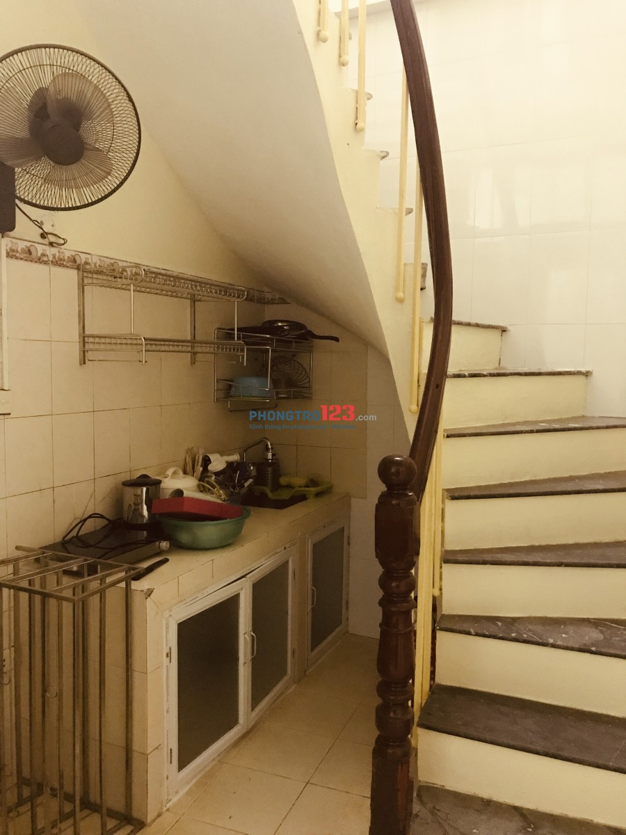 Cho thuê nhà ngõ Chợ Khâm Thiên 20m2x4 tầng, mới sửa, trung tâm, gần chợ