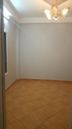 Cần cho thuê 1 phòng, 1 người, mới và đẹp, đường Huỳnh Văn Bánh