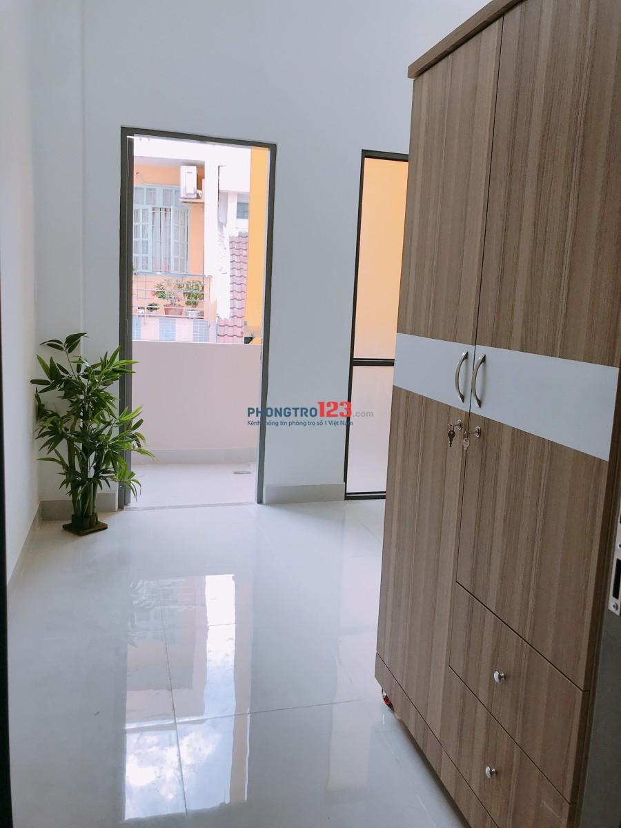 Phòng đầy đủ tiện nghi, ngã tư Nơ Trang Long & Lê Quang Định, ngay tiệm vàng Mi Hồng, giá 5.2 triệu