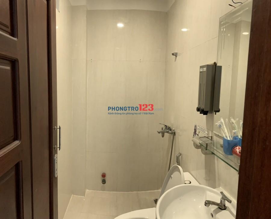 Phòng sát Bùi Viện đủ nội thất 1 phòng ngủ + 1 Phòng bếp+ 2wc giá bao nước, wifi, xe, quản lí,...