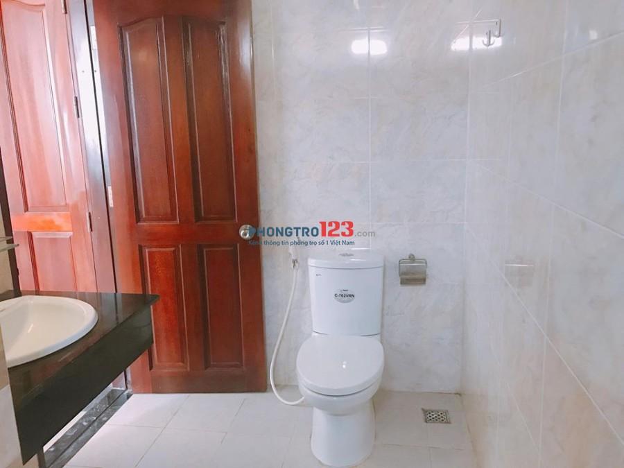 Phòng tiện nghi gần vòng xoay Lăng Cha Cả, Cộng Hòa, quận Tân Bình 20m2, 3.2tr