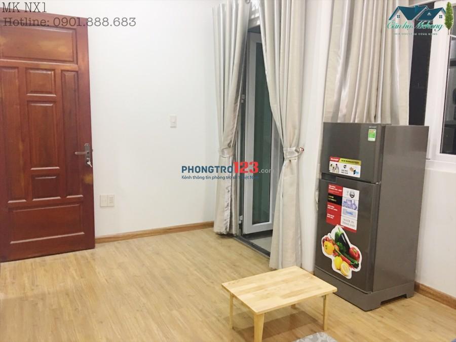 Cho thuê phòng full nội thất sàn gỗ - ban công thoáng mát - gần chợ và các trường đại học