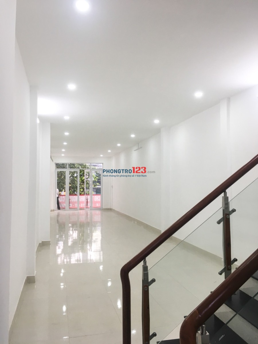 Tôi cần cho thuê nguyên căn Mặt Tiền 36 Trần Quang Khải,Quận 1,dt: 4.1x20m,Trệt+2 lầu