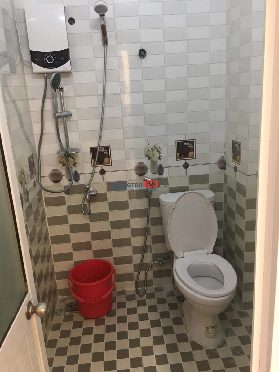 Cho thuê nhà kiệt 572 Ông Ích Khiêm, có 2 phòng ngủ, có nội thất