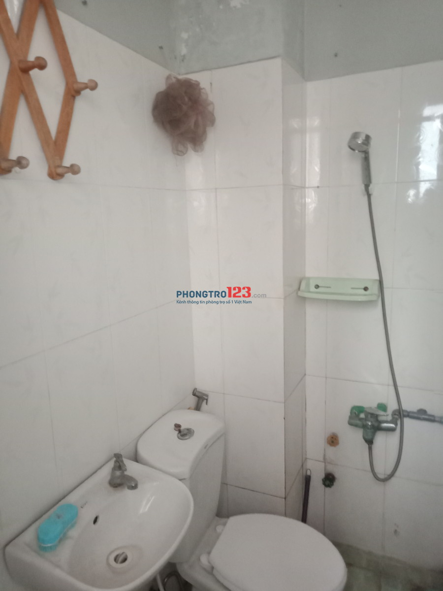 Phòng trọ mặt tiền Thích Quảng Đức, 25m, giá rẻ