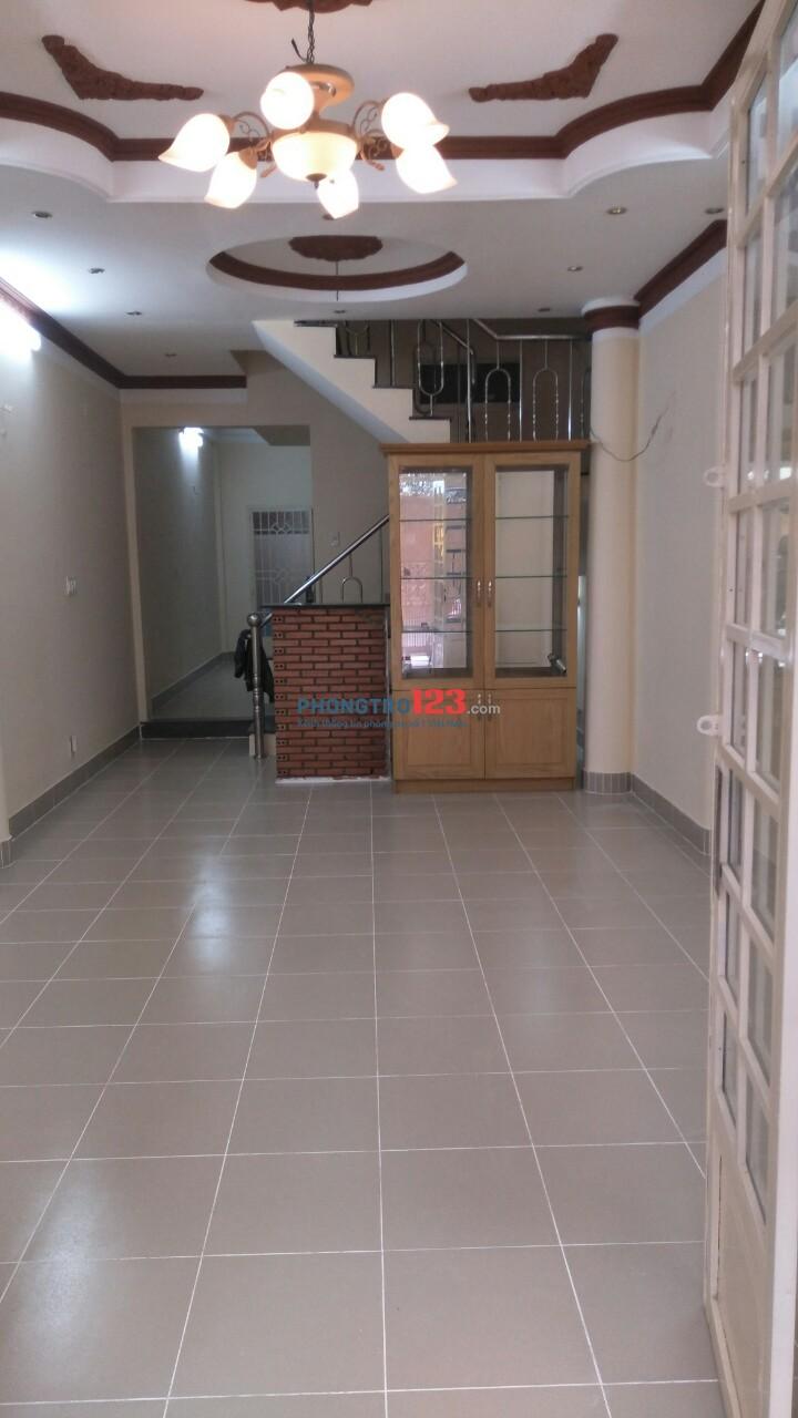 Cho thuê nhà 1 trệt 2 lầu mặt tiền nội bộ, DT 164m2, Đường Hà Huy Giáp, Q.12
