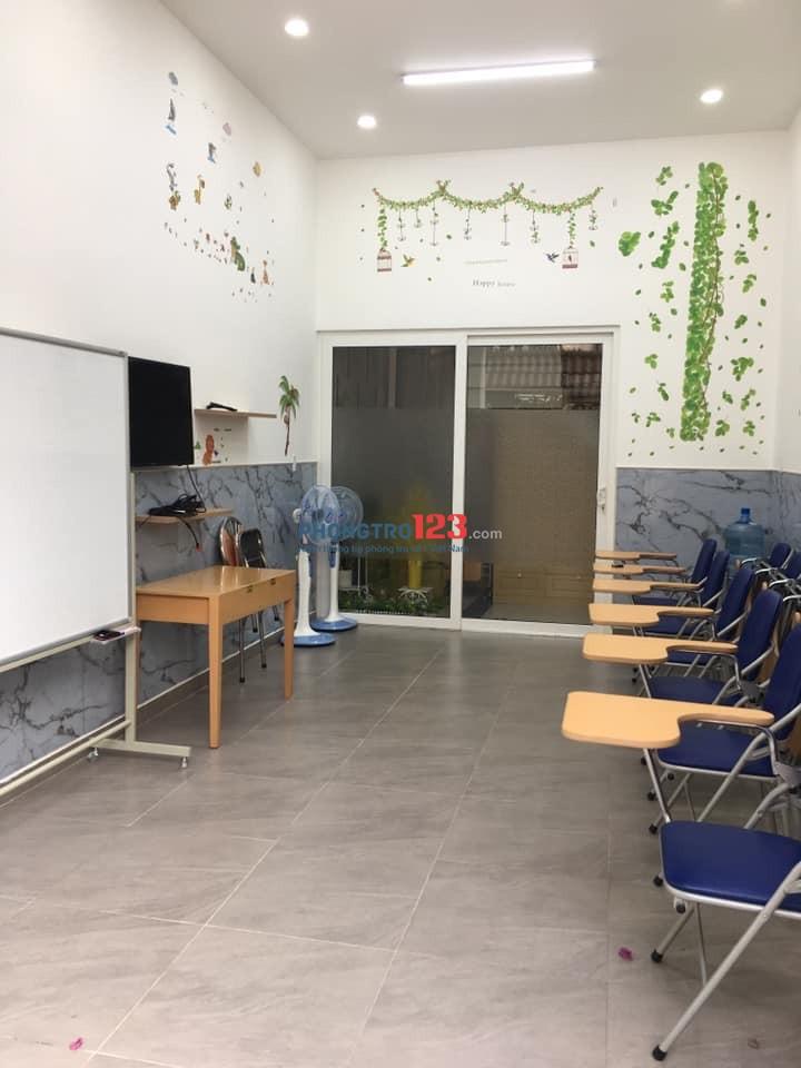 Cho thuê mặt bằng tầng trệt để dạy học, dùng cho nhóm khoảng 10 học sinh